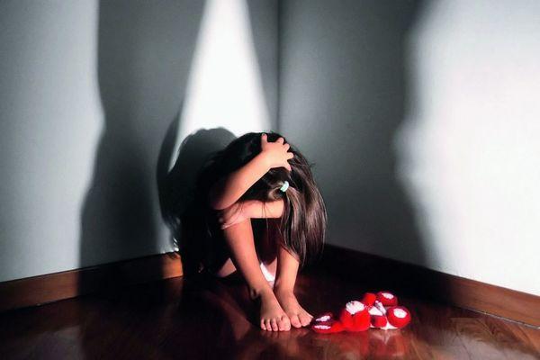 На Полтавщине отец-педофил жестоко издевался над 4-летней дочерью