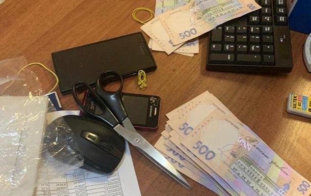 На взятке 190 тысяч гривен: В Киеве задержали заместителя председателя госпредприятия