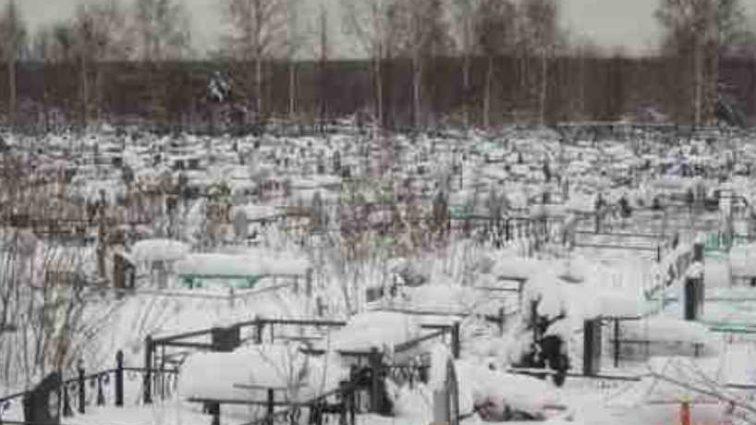 Трагедия на Харьковщине: На кладбище нашли израненное тело мужчины