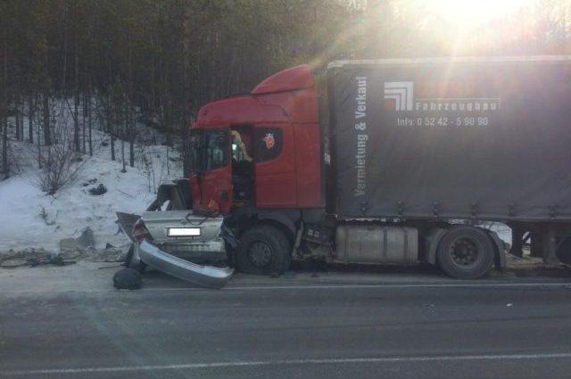 Роковая ДТП с грузовиком: убило детей, 5 погибших