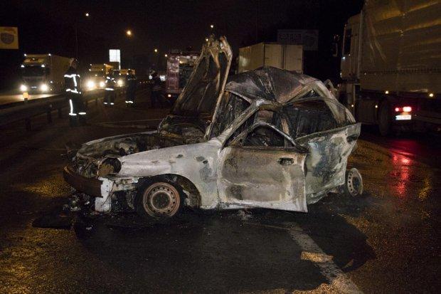 Роковая ДТП в Киеве: на бешеной скорости столкнулись две легковушки, шансов выжить просто не было
