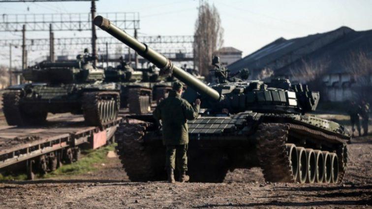 Стягивает танки, ПВО ракеты! Генерал сделал срочное заявление