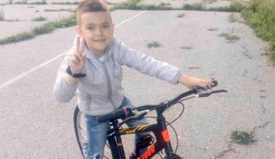 Обычный перелом руки обнаружил онкологию у ребенка: помогите маленькому Яну выздороветь