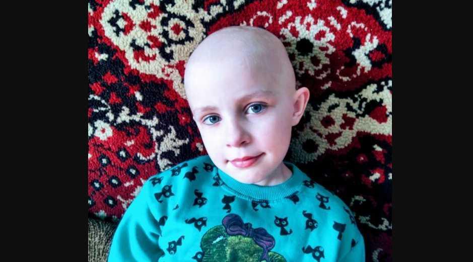Девочка борется с раком уже два года: подарите Анюте шанс выздороветь