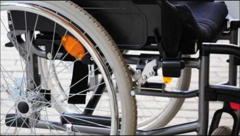 Теперь в инвалидной коляске навсегда: пирсинг носа парализовал девушку