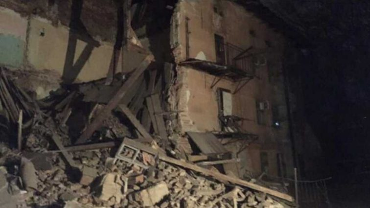 Во Львове произошло ЧП: обрушилась стена жилого дома, первые подробности