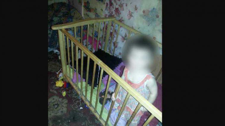 Проживали в грязи и холоде: 3-х детей спасли от голода
