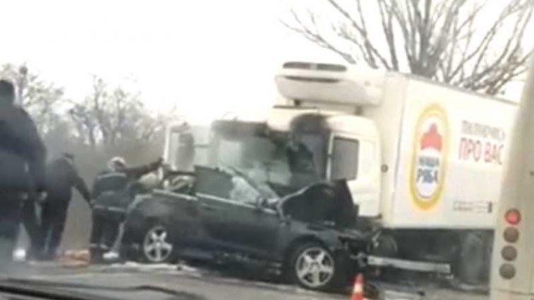 Сгорел в салоне: на украинской трассе произошла жуткая ДТП