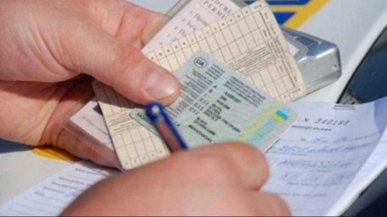 Медосмотр и пересдача на права ежегодно: для водителей сделали важный прогноз