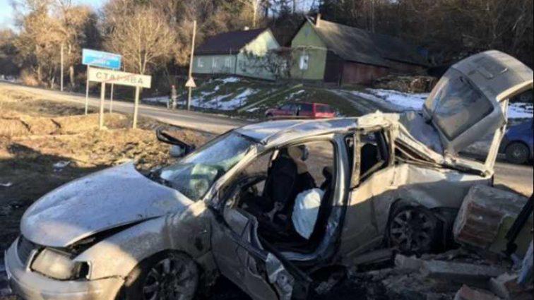На Львовщине авто влетело в пост пограничников: сообщили о погибших, фото с места трагедии