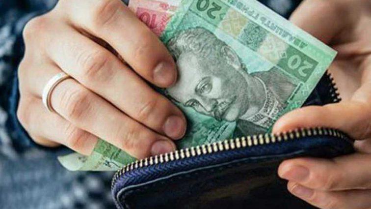 Придется заплатить налоги: государство будет платить бабушкам и дедушкам за воспитание внуков