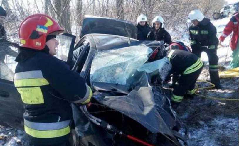 Смертельное ДТП под Ровно: в масштабной аварии погибли три человека