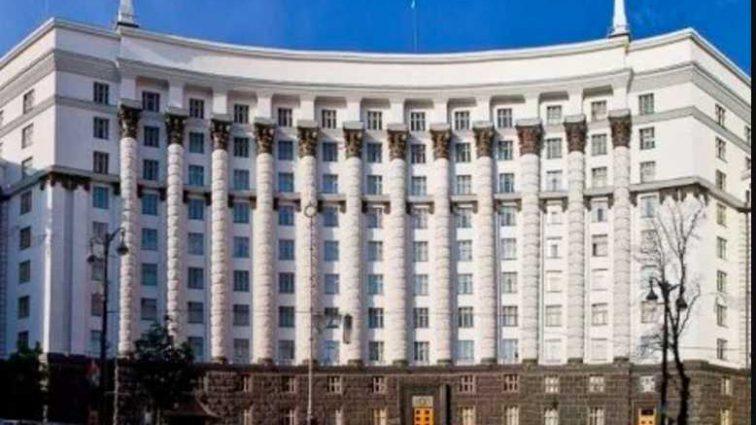 Гройсман, Тарута и Яценюк: кто возглавил список кандидатов в премьер-министры? Опрос