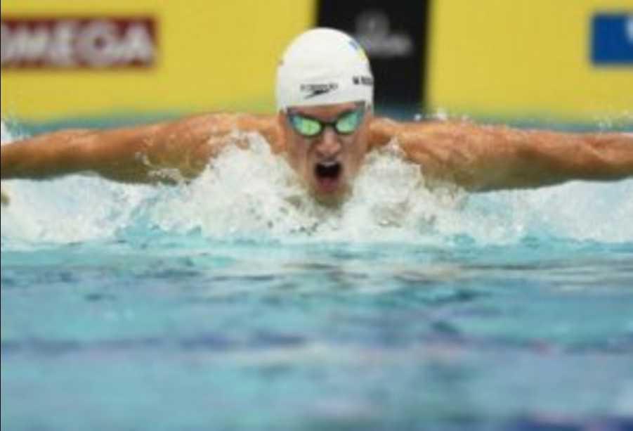 «Так держать»: Украинец стал победителем престижных соревнований по плаванию