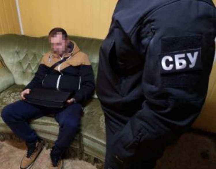 Настоящий нахал: иностранец пытался дать взятку сотруднику СБУ