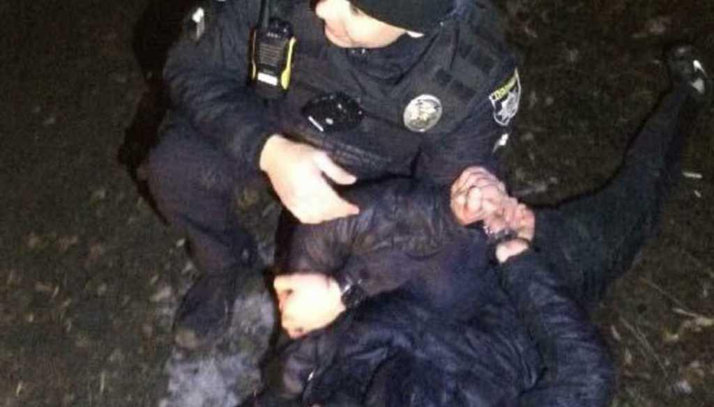 Ничего не объяснив: молодой парень избил полицейского