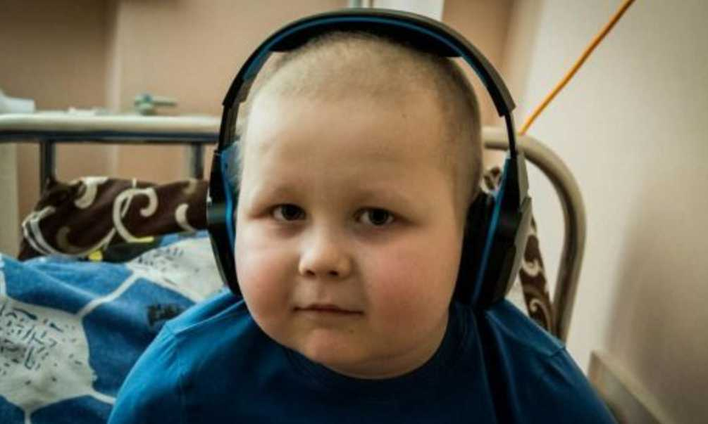 Малыш уже 4 года борется с раком: помогите Артемка наконец преодолеть болезнь