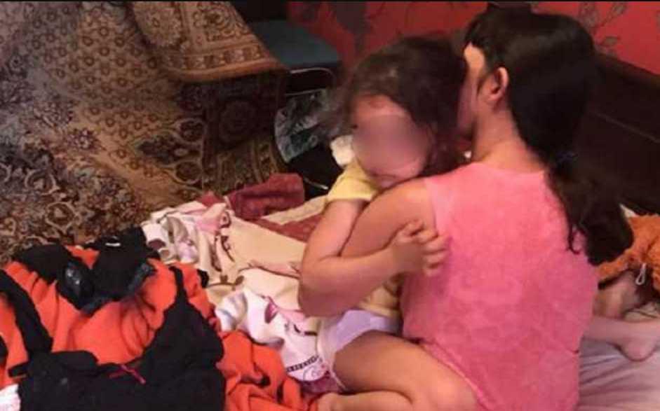 Снимали запрещеные фильмы со своей маленькой дочкой: рассказали, как накажут семейную пару из Кривого Рога