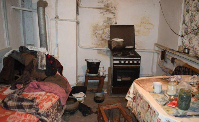 Ограбил дом, изнасиловал и в конце убил: на Винниччине мужчина жестоко поиздевался над пожилой женщиной