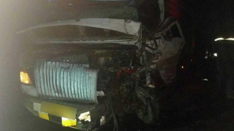 Жуткая ДТП: в результате столкновения двух микроавтобусов погибла женщина-водитель