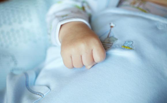 На второй день после крестин: на Волыни при загадочных обстоятельствах умер младенец