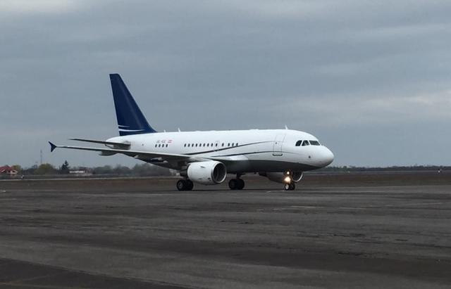 Самолет с премьером на борту попал в аварию: первые подробности ЧП