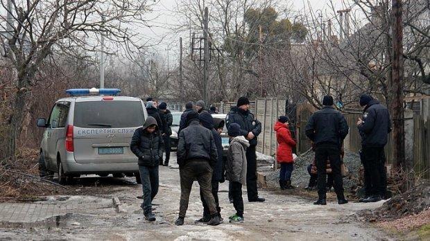 Бил до потери пульса: появились новые жуткие подробности убийства семьи на Житомирщине