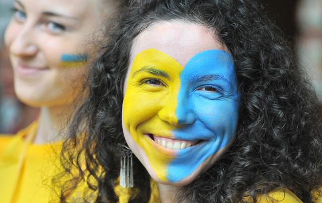 Страна медленно, но уверенно будет становиться на ноги: мольфарка Магдалена предусмотрела судьбу Украины в этом году