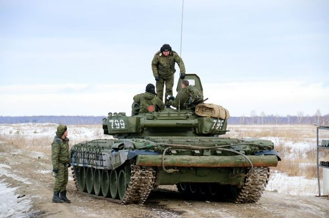 Забитые танками полигоны: потрясенные наблюдатели рассказали о вооружении России на Востоке