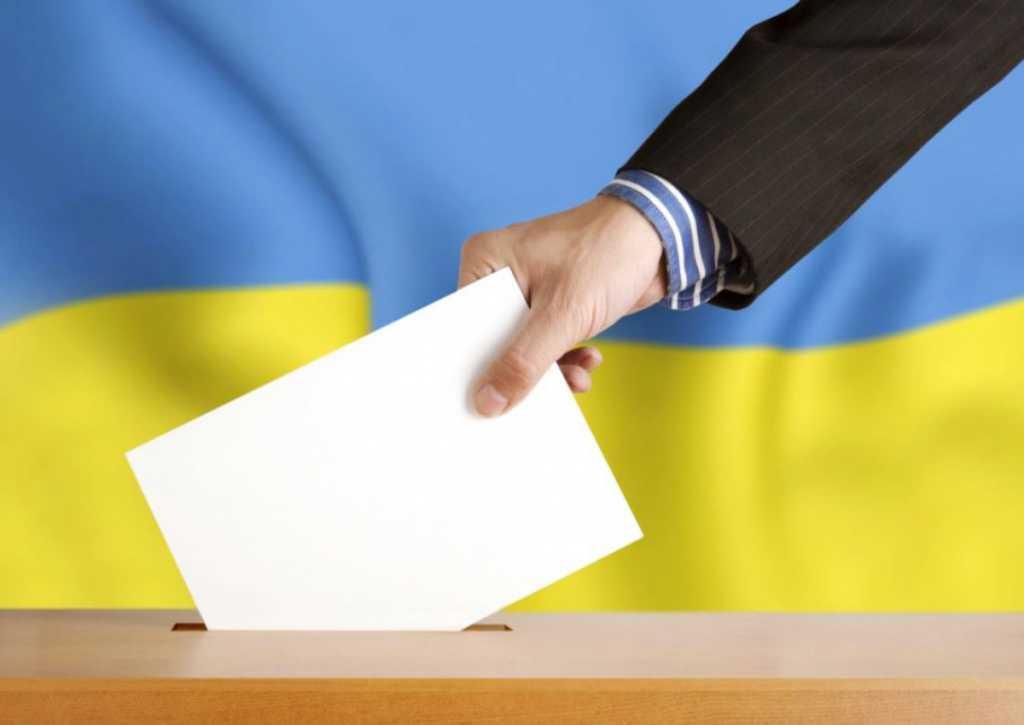 «Это же миллионы голосов»: Кому в Украине хотят запретить голосовать на выборах