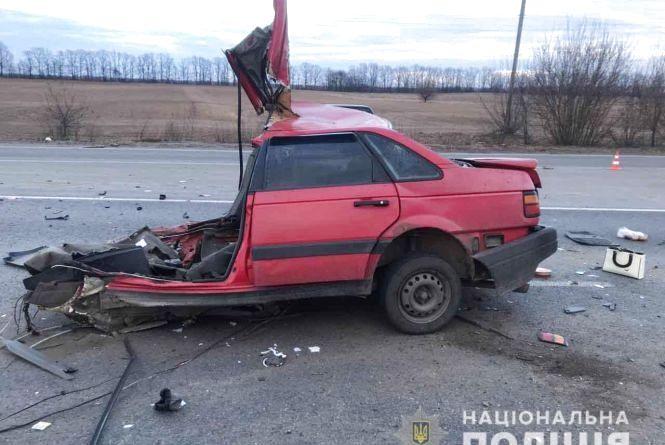«Машину буквально разорвало пополам»: Ужасная авария на Виннитчине унесла жизни двух человек