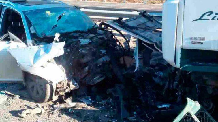 На Полтавщине грузовик протаранил легковой автомобиль, есть жертвы