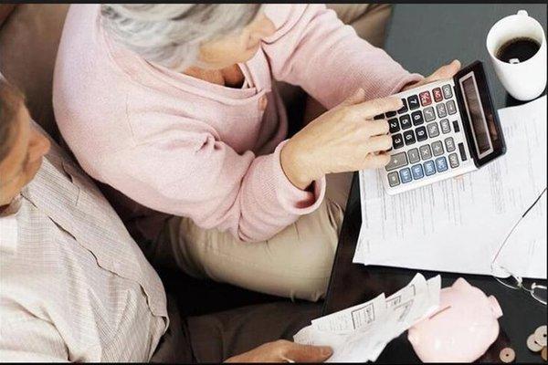 «Для тех, кто имеет большой стаж»: Украинцам снова кардинально пересчитают пенсии. Кому повезет