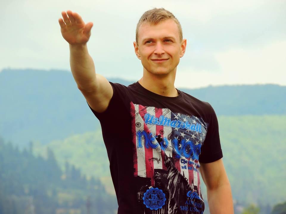 «Прохожие становились на колени»: На Львовщине прощаются с 21-летним военным, на отпевании которого случился скандал