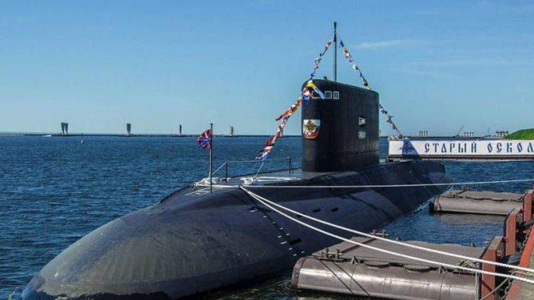 Россия направила боевую подводную лодку в Черное море: что происходит
