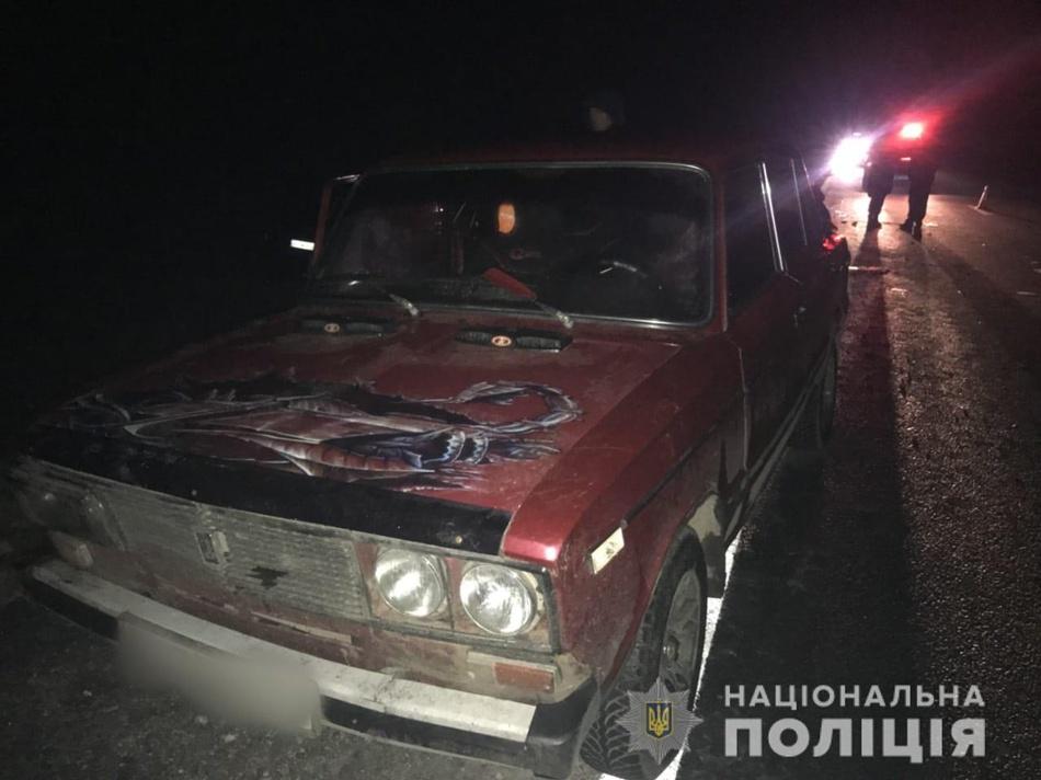 Смертельная авария на трассе под Харьковом: микроавтобус въехал в толпу людей, толкающих автомобиль