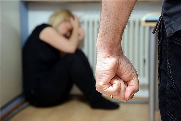 Таким образом самоутверждался: парень учинил жестокую расправу над родной сестрой