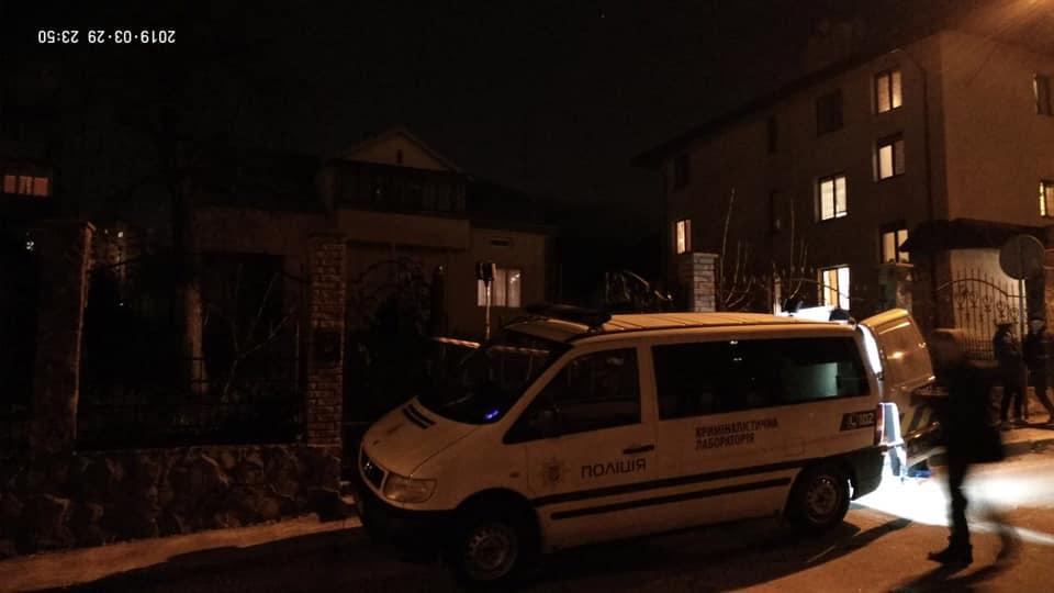 «Несколько дней светилось свет»: Во Львове расследуют загадочную смерть двух женщин в собственном доме
