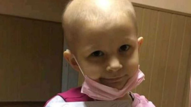 «Боли в кишечнике, желудочные спазмы»: 5-летняя Марьянка очень надеется на помощь добрых людей