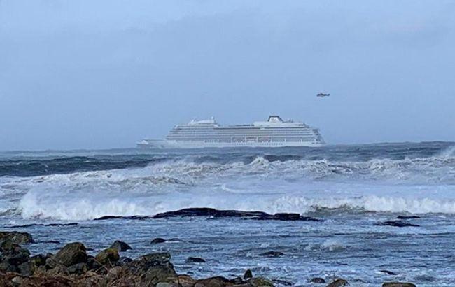 Морское судно потерпело крушение: на борту более тысячи пассажиров