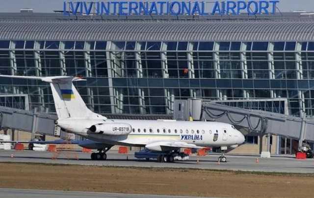 «Вины так и не признал и получил 5 лет»: Бывшего заместителя директора львовского аэропорта осудили за взятку