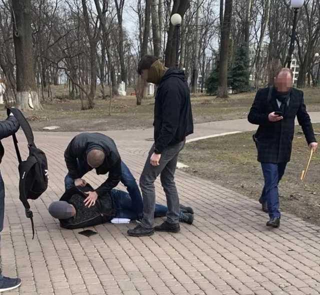 «Забирать деньги отправил водителя» Советник Авакова погорел на огромной взятке — СМИ