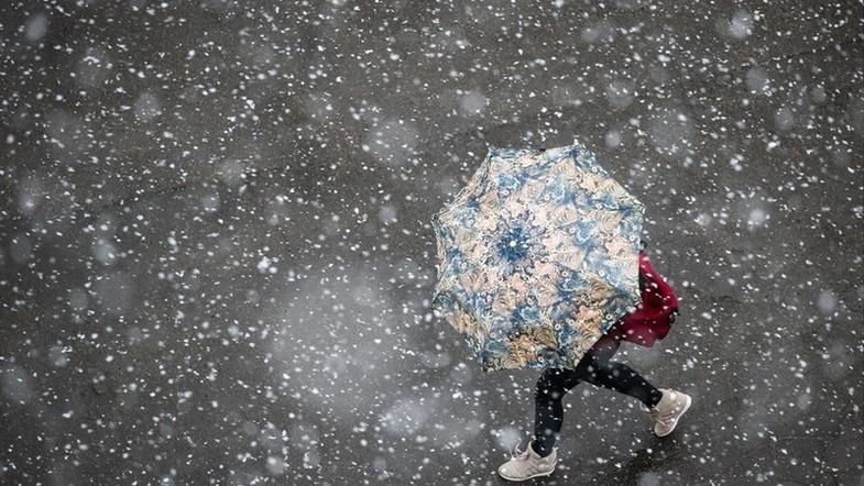 Шквальный ветер, дожди и даже снег: синоптики рассказали, кому не повезет с погодой
