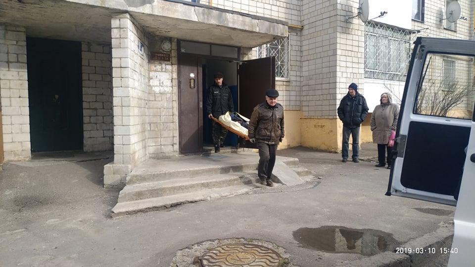 «Пришел в гости к любимой» В лифте одной из львовских многоэтажек обнаружили окровавленное тело 45-летнего мужчины