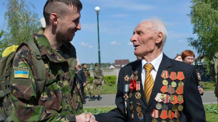 Кабмин пообещал выплатить ветеранам: кому заплатят и сколько