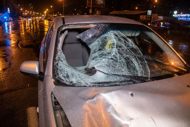 В Киеве на Троещине такси сбило насмерть мужчину, стали известны подробности