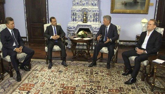 «Отношения Украины и России крайне важны»: Бойко и Медведчук приехали в Москву к Медведеву