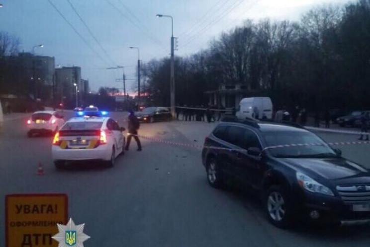 В Тернополе 13-летняя девочка за рулем автомобиля попала в ДТП: ребенок в коме