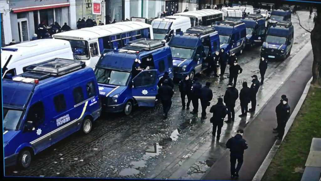 «Множество полиции и» титушок «. Центр полностью парализован»: Во Львове возмущены подготовкой к приезду Порошенко