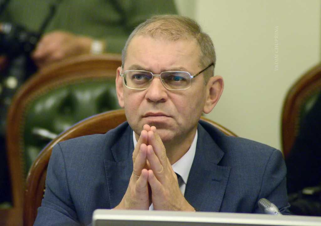 Фирму Пашинского уличили в тайном заказе на 200 млн грн